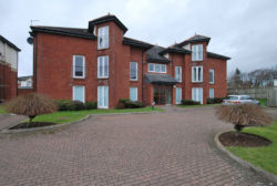 Modern 1st Floor Luxury Style Flat within sought after seaside Town, with added benefit of lift